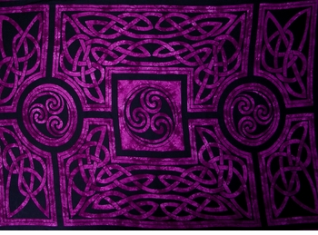 Celtic Circles Top Quality Mens Sarong in Royal Purple