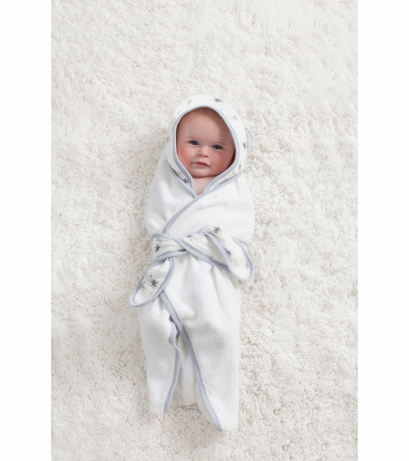 Founded in and with a worldwide fan base including the Royal Family, aden + anais offer a range of breathable, versatile and durable products made from beautifully soft muslin.