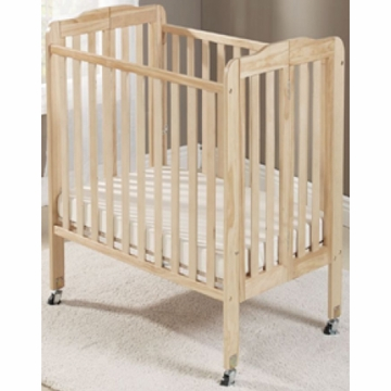 Big Oshi Angela Portable Crib in Natural