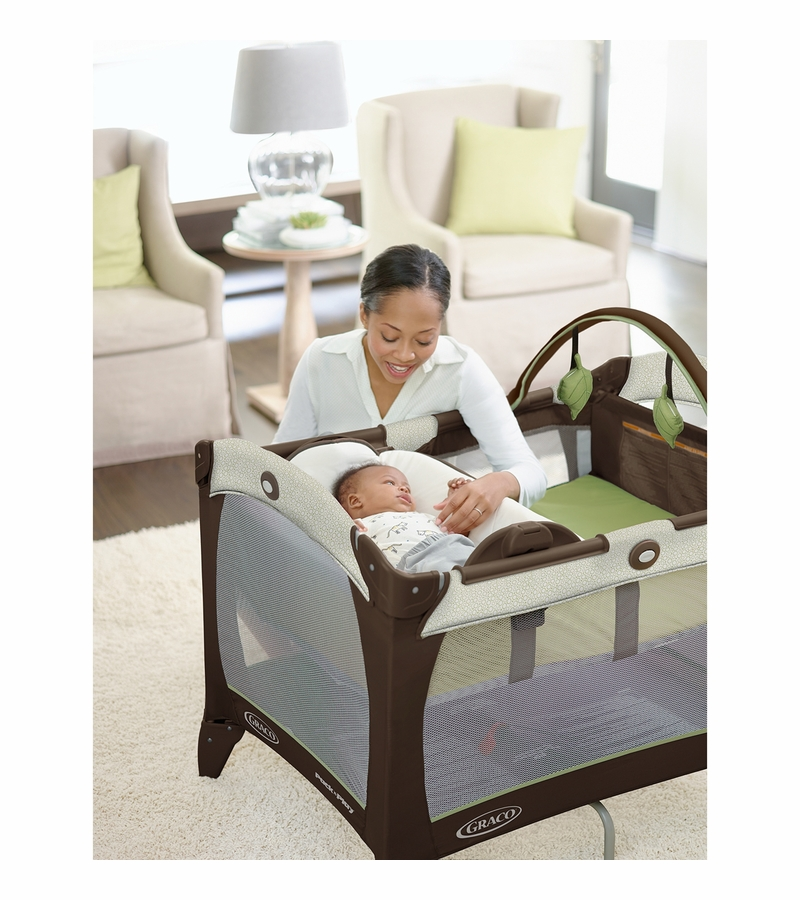Graco Baby Pack N Play Playard With Reversible Napper