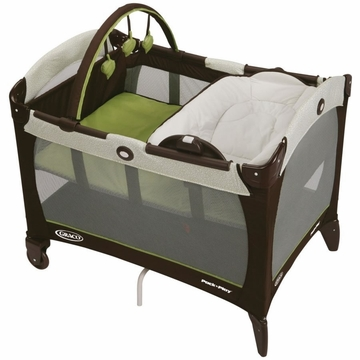 Graco Pack 'N Play Playard with Reversible Napper and Changer - Go Green