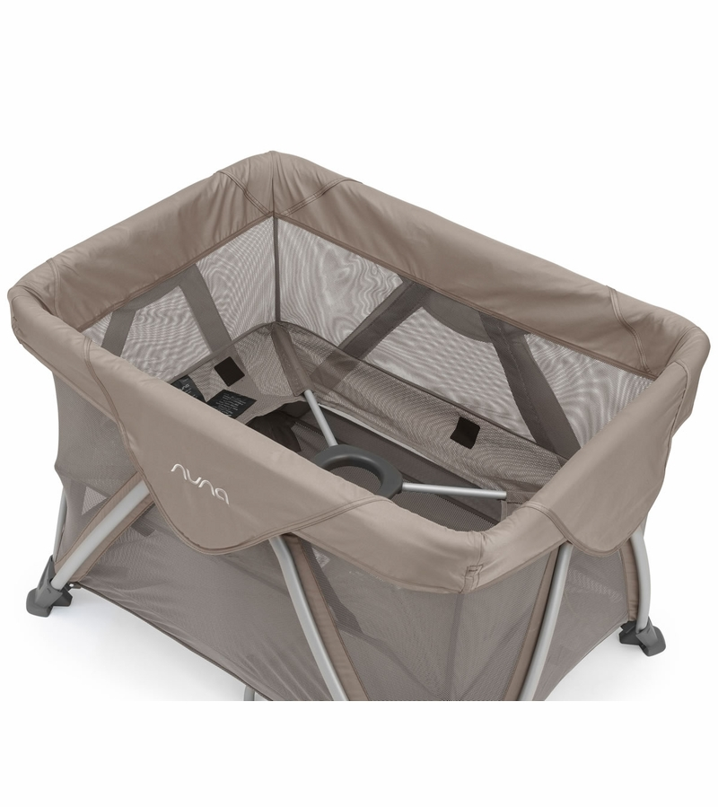 Nuna Sena Aire Travel Crib Safari