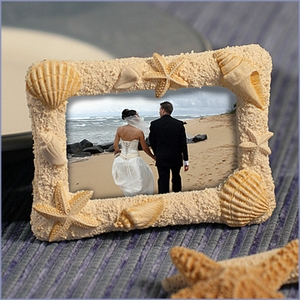 Beach-Themed Photo Frame Favors