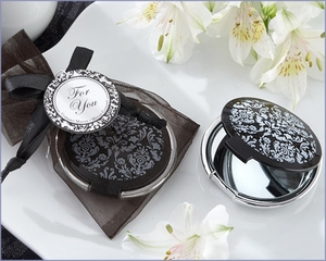 Black & White Damask Compact