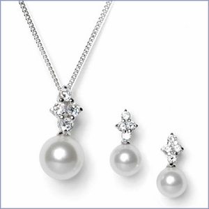 Bridal Pearl Drop Pendant & Earrings Set