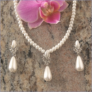 Faux Pearl Teardrop Bridal Necklace Set