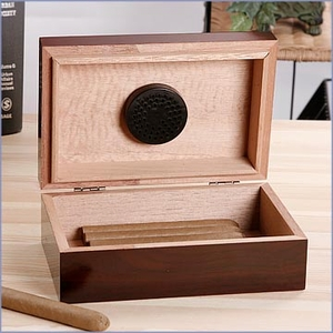 Personalized 10 Cigar Travel Humidor