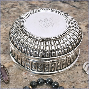 Personalized Beaded Antique Round Jewelry Box