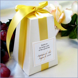 The Large Pedestal Favor Box Kit - Set of 20