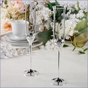 Vera Wang Toasting Flutes Set - Love Knots Collection
