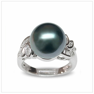 Beata a Black Tahitian South Sea Cultured Pearl Ring