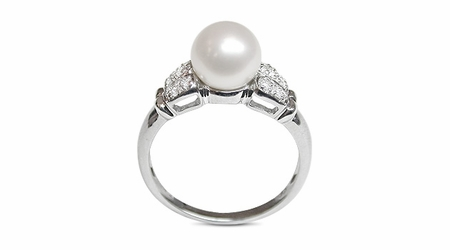 Cleia a Japanese Akoya Cultured Pearl Ring