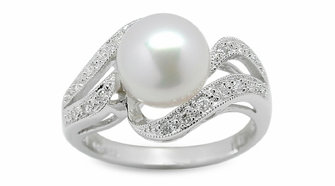 Enlil a Japanese Akoya Cultured Pearl Ring