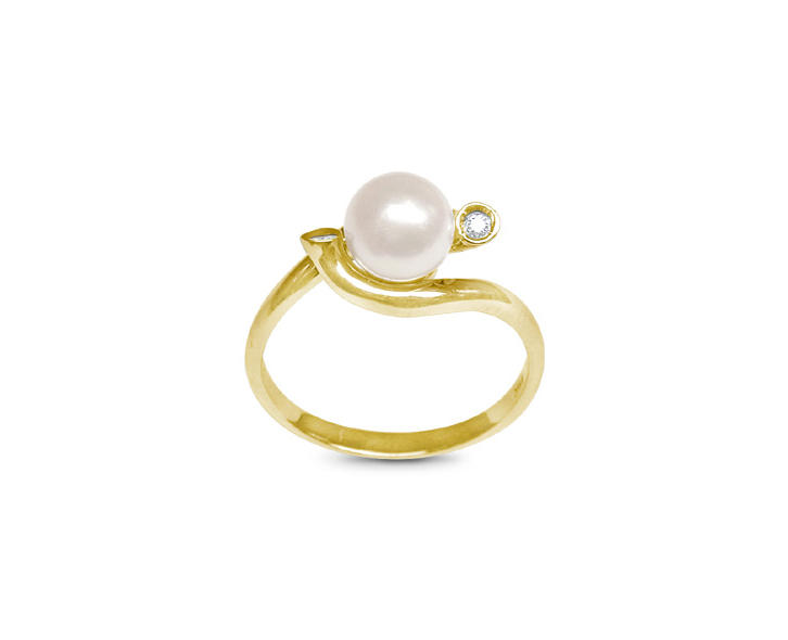 Flute a Japanese Akoya Cultured Pearl Ring