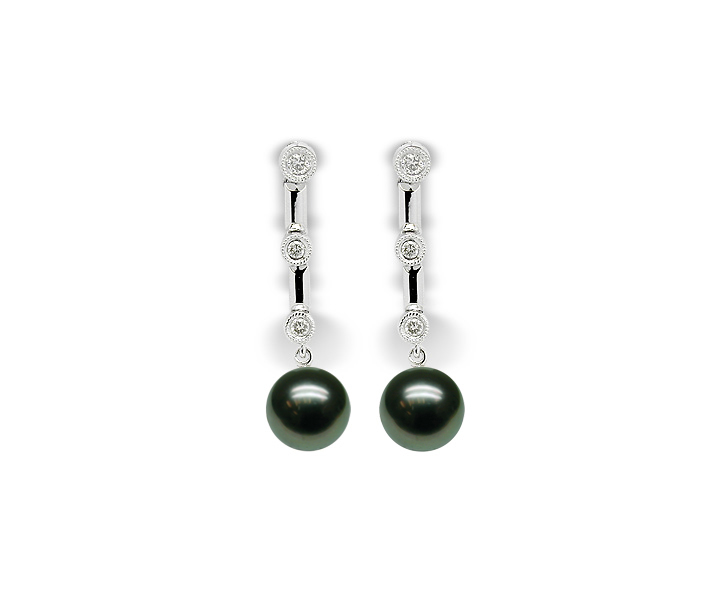 Francine a Black Tahitian Cultured Pearl Earring