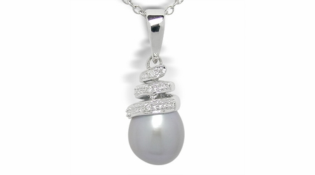 Fresh Bella a Freshwater Cultured Pearl Pendant