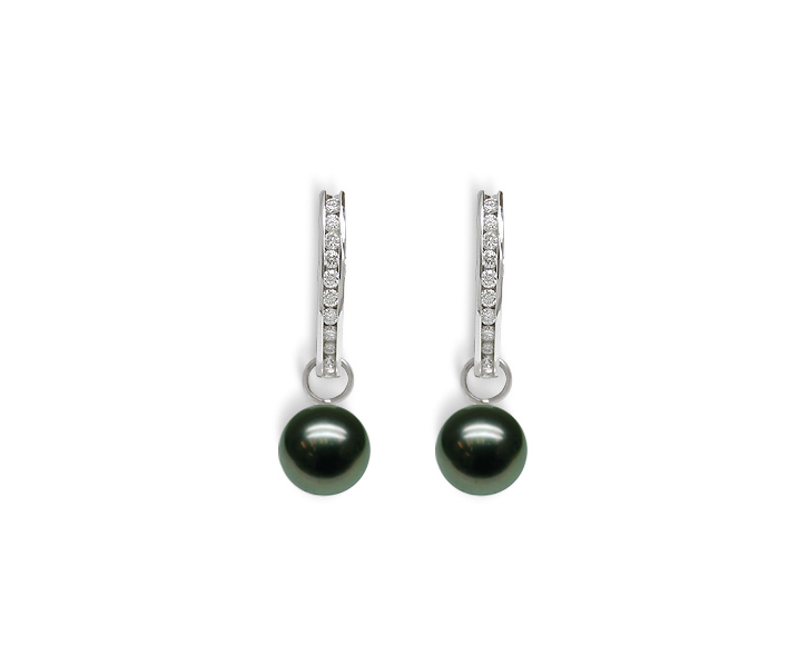 Josephine a Black Tahitian Cultured Pearl Earring