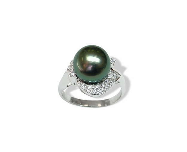 Knight a Tahitian Cultured Pearl Ring