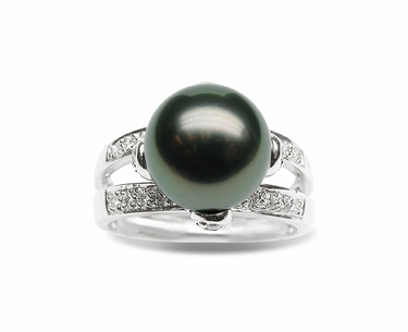 Leah a Black Tahitian Cultured Pearl Ring