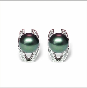 Leo a Black Tahitian South Sea Cultured Pearl Earring