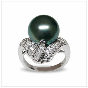 Lolita  a Black Tahitian South Sea Pearl Ring