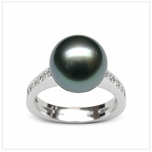 Lucina a Black Tahitian Cultured Pearl Ring