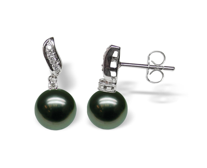 Maxine a Black Tahitian Cultured Pearl Earring