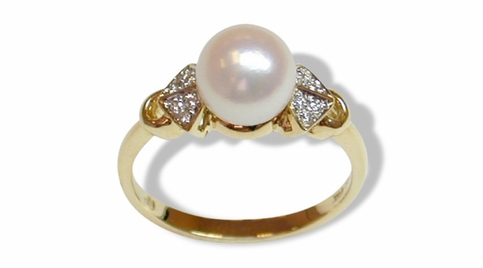Pearl and Brilliant Diamond Bow-tie Ring