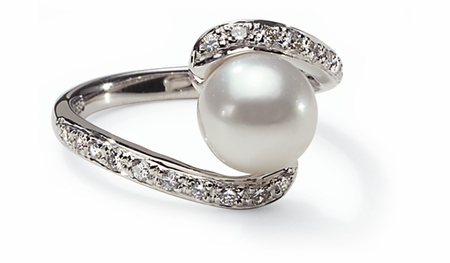 Swirl a Japanese Akoya Cultured Pearl Ring
