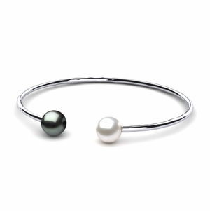 Tahitian Pearl Bangle Bracelet with Hammered Surface