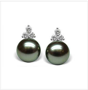 Tahitian Princess a Black Tahitian Cultured Pearl Earring