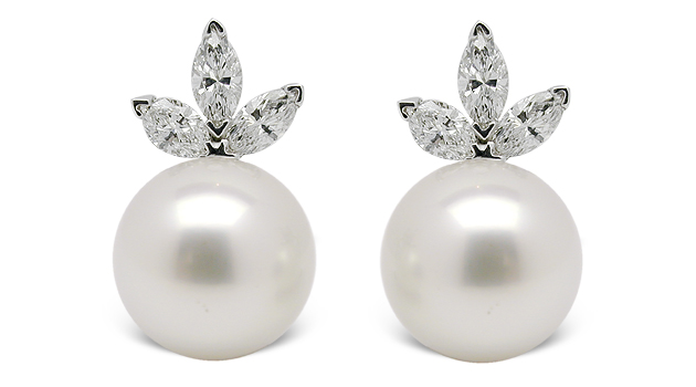 Tiara a Australian South Sea Cultured Pearl Earrings