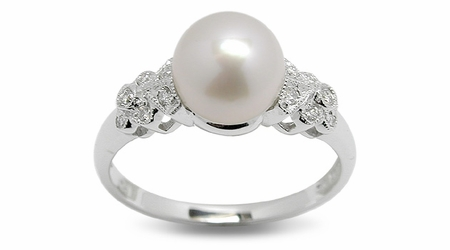 Zaria a Japanese Akoya Cultured Pearl Ring