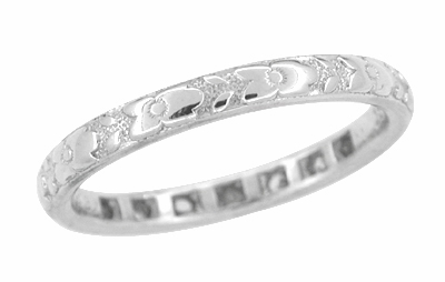 Antique Art Deco Diamond Wedding Ring in 18 Karat White Gold - Size 5 - Item R599 - Image 1