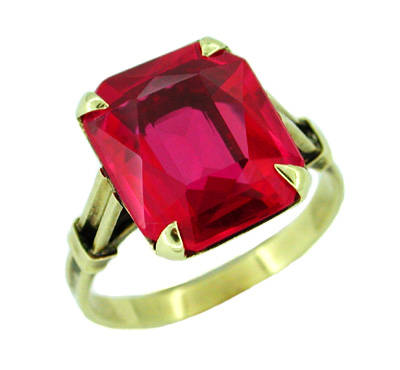 Antique Created Ruby Ring in 14 Karat Gold