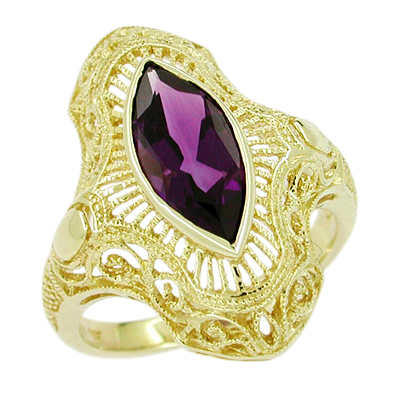 Art Deco Amethyst Filigree Cocktail Ring in 14 Karat Gold