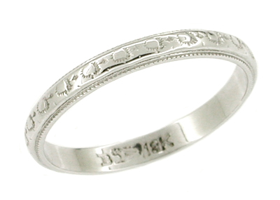 Art Deco Antique Wedding Ring in 18 Karat White Gold