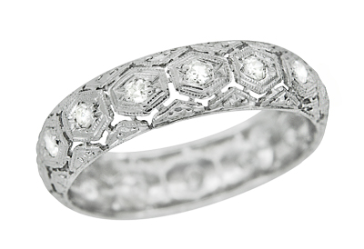 Art Deco Diamond and Filigree Antique Wedding Band in Platinum - Size 6 3/4