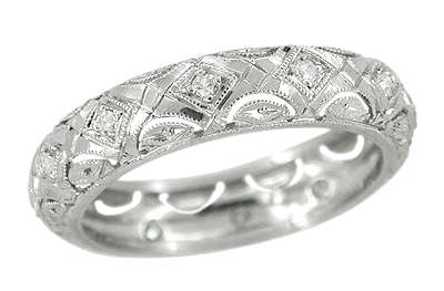 Noank Scalloped Filigree Deco Vintage Diamond Wedding Band - Platinum