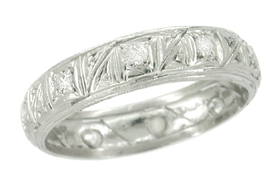 Art Deco Antique Wedding Band in Platinum with Diamonds - Size 8