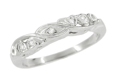 Art Deco Heirloom Hearts and Scrolls Filigree Diamond Wedding Ring in 14 Karat White Gold