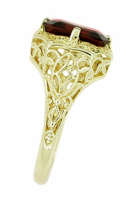 Art Deco Flowers and Leaves Almandine Garnet Filigree Ring in 14 Karat Yellow Gold - Item RV193 - Image 2