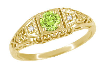 Art Deco Peridot and Diamond Filigree Ring in 14 Karat Yellow Gold