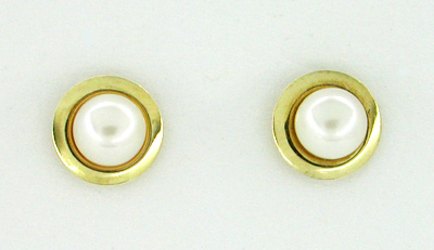 Bezel Set Pearl Stud Earrings in 14 Karat Gold