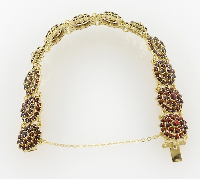 Bohemian Garnet Flower Blossom Link Bracelet in Sterling Silver with Yellow Gold Vermeil - Item GBR128 - Image 2