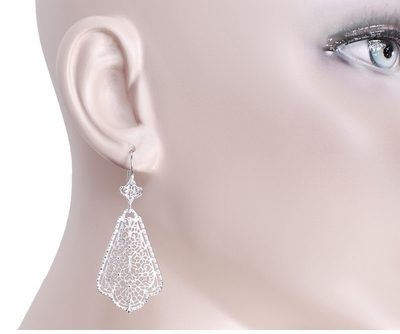 Edwardian Scalloped Leaf Dangling Sterling Silver Filigree Earrings  - Item E169W - Image 3
