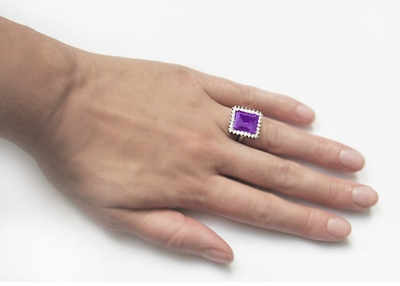 Retro Amethyst Cocktail Ring with Diamonds in 18 Karat White Gold - Item R1176WAM - Image 5
