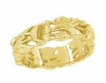 Retro Filigree Lilies Wedding Band in 14 Karat Yellow Gold - 6mm