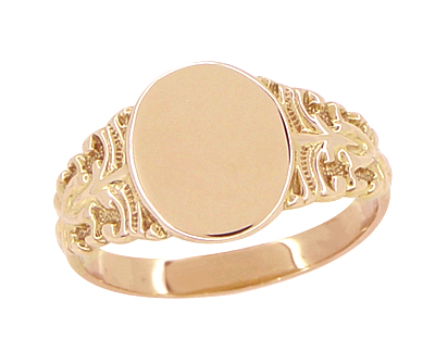 Fleur-de-Lis Victorian Oval Signet Ring in 14 Karat Rose Gold