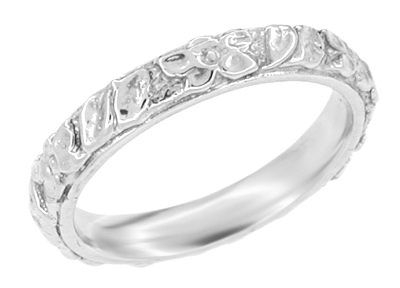 Flowers and Leaves Wedding Band in 14 Karat Gold - Size 6